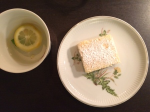 Lemon bar and lemon tea